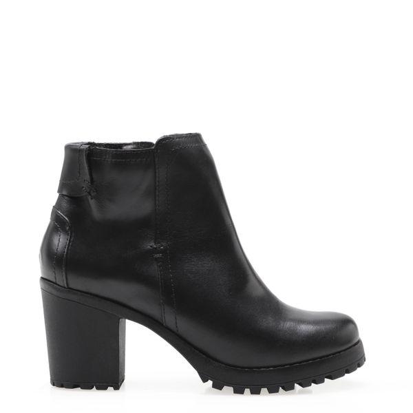 8153cffa7a Bota Feminina Ankle Boot Tratorada Basic - Couro Confort Preto - corello